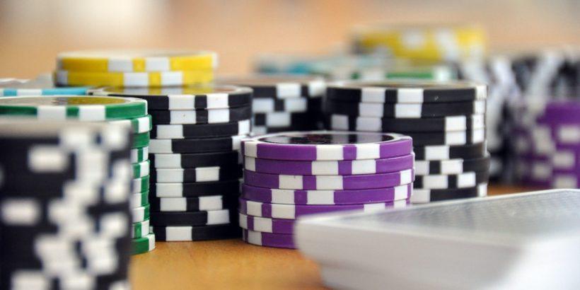 chips 820x410 - Understanding Deposit Bonuses at Online Casino